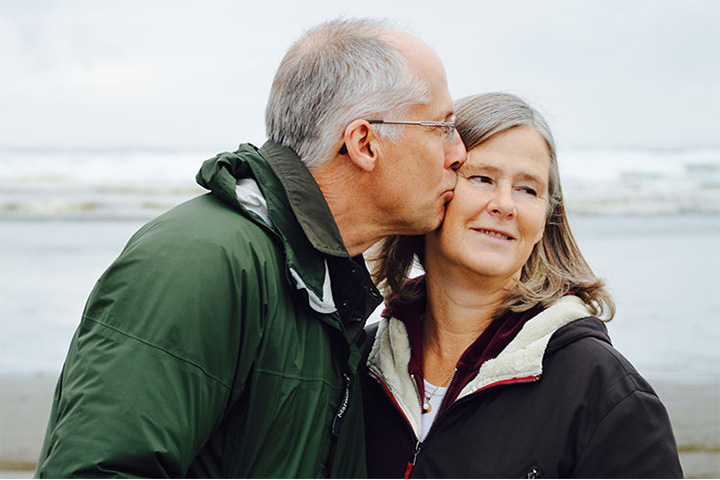 PTH 720_0012_retired-couple